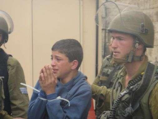 الجيش الإسرائيلي رفع وتيرة اعتقال الأطفال الفلسطينيين بنسبة 80%