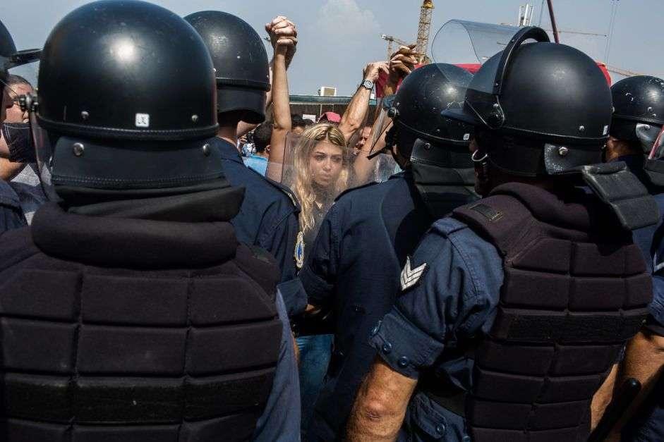 Lebanon: Protesters defy police brutality