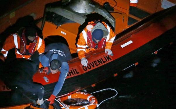 Six children die off Turkey coast trying to reach Europe