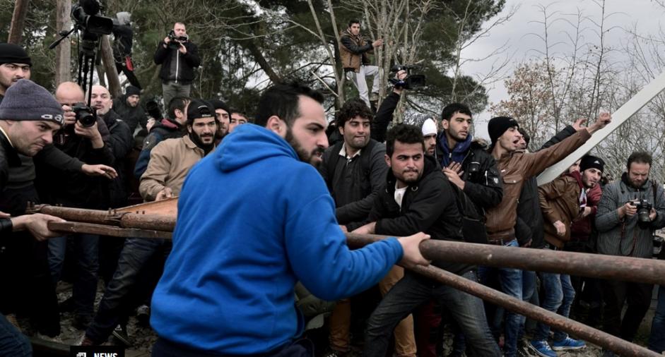 GRÈCE. Chaos à la frontière d'Idomeni après la fermeture de la route des Balkans