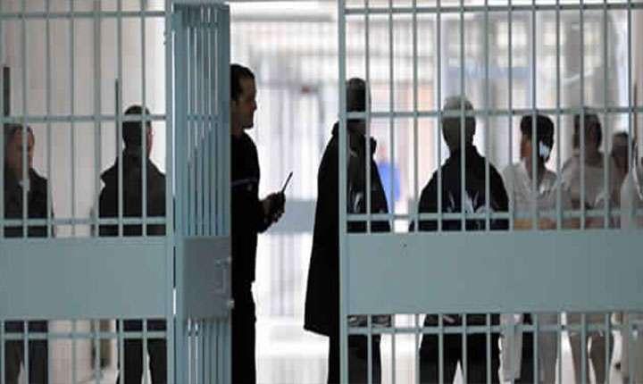 250  حالة تعذيب وسوء معاملة في السجون ومراكز الإيقاف الأمنية التونسية