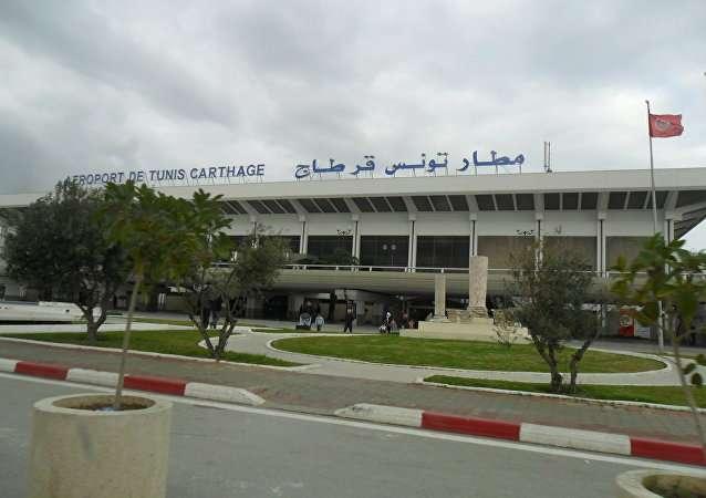 L'interdiction du voyage des Tunisiennes sur les avions de l'EAU représente une discrimination contre les femmes tunisiennes