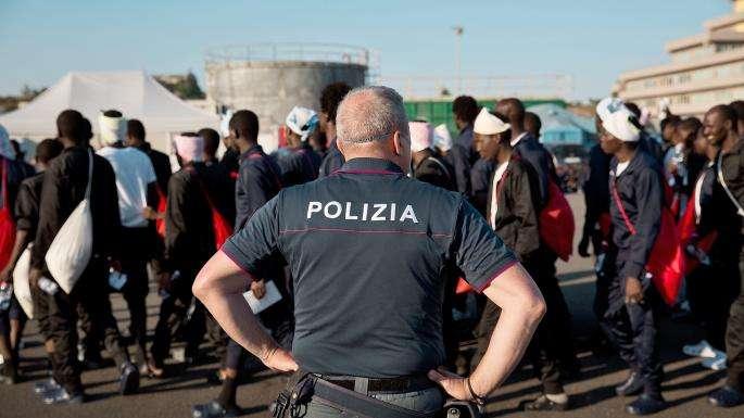 الأورومتوسطي يحذر من مخططات لطرد نصف مليون مهاجر غير شرعي في إيطاليا وتجريم من يساعدهم في المجر