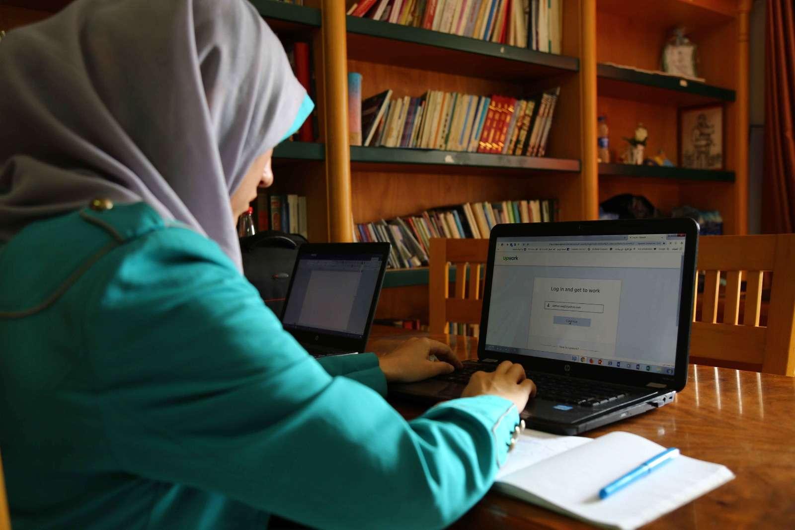 Histoires de réussite de l'incubateur de leadership féminin: du chômage au travail indépendant