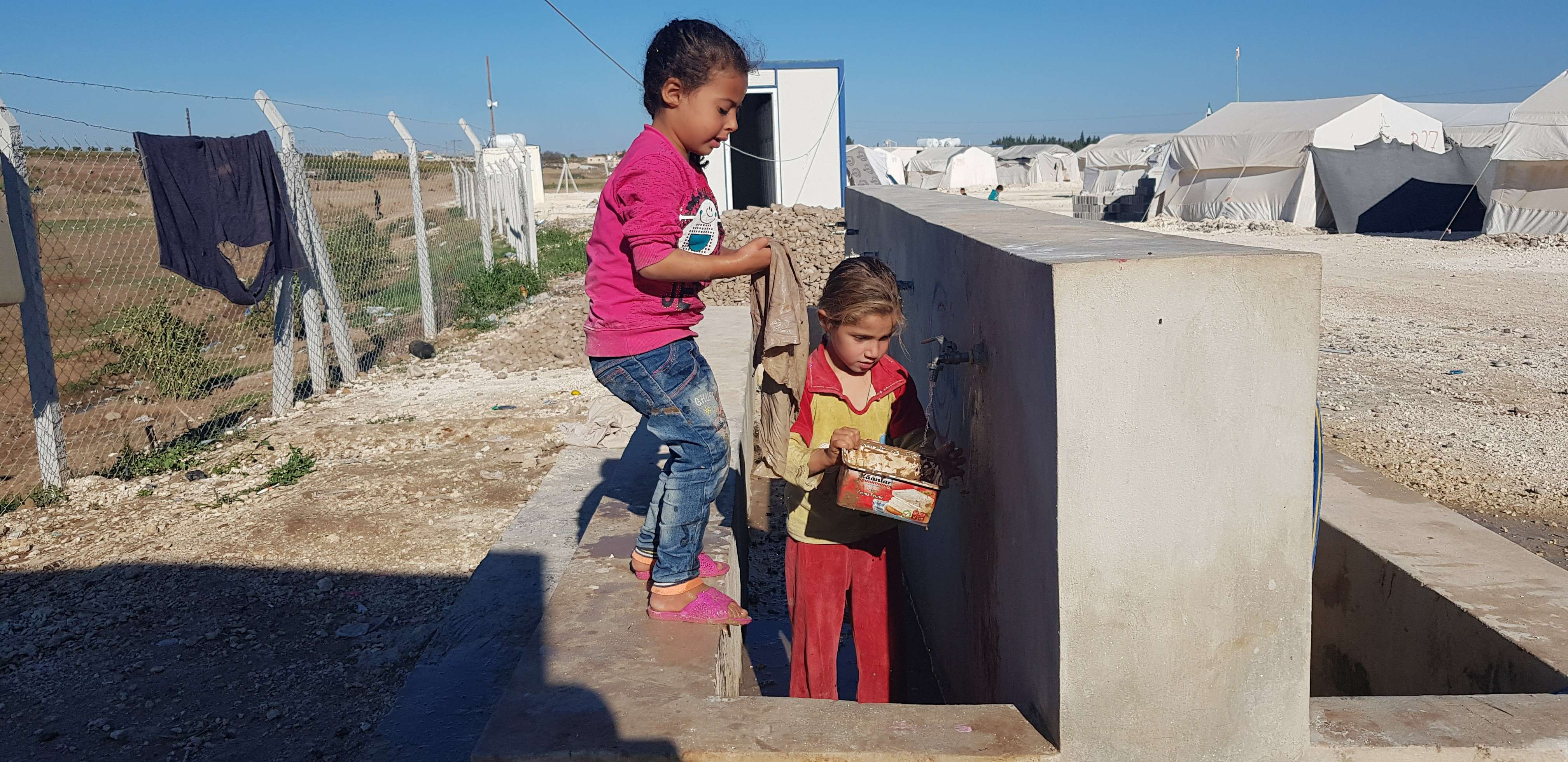 In letters addressing States and UN agencies, Euro-Med Monitor calls for providing shelter to Syrian children in camps amidst expected cold wave
