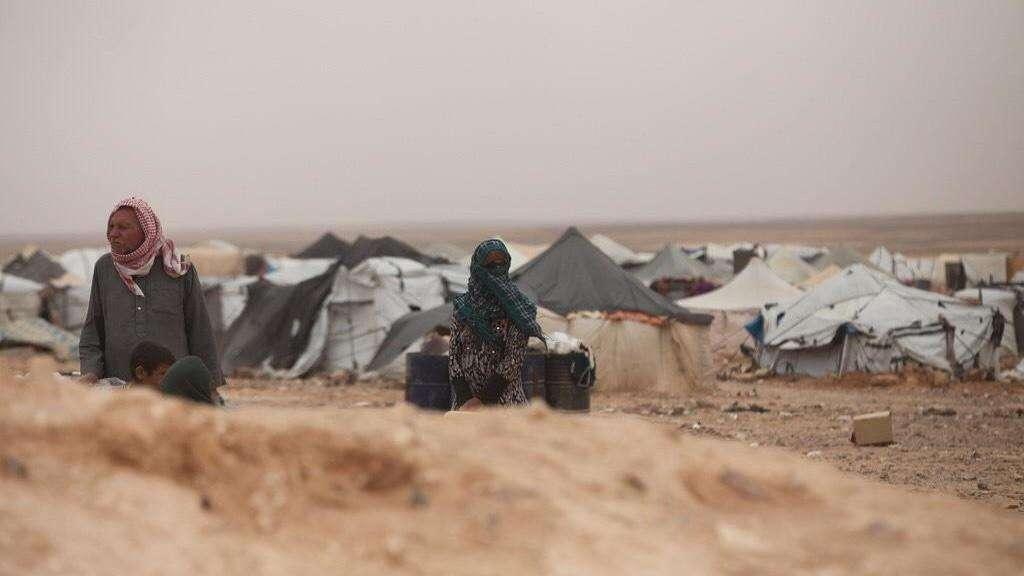 سجّل وقوع 9 وفيات حتى الآن بين نازحي سوريا داخل المخيم.. الأورومتوسطي: لا مقومات للحياة في مخيم الركبان على الحدود الأردنية السورية