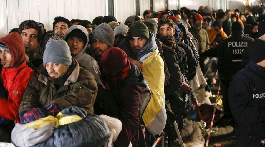 سياسات إيطاليا حيال المهاجرين تضاعف معاناتهم