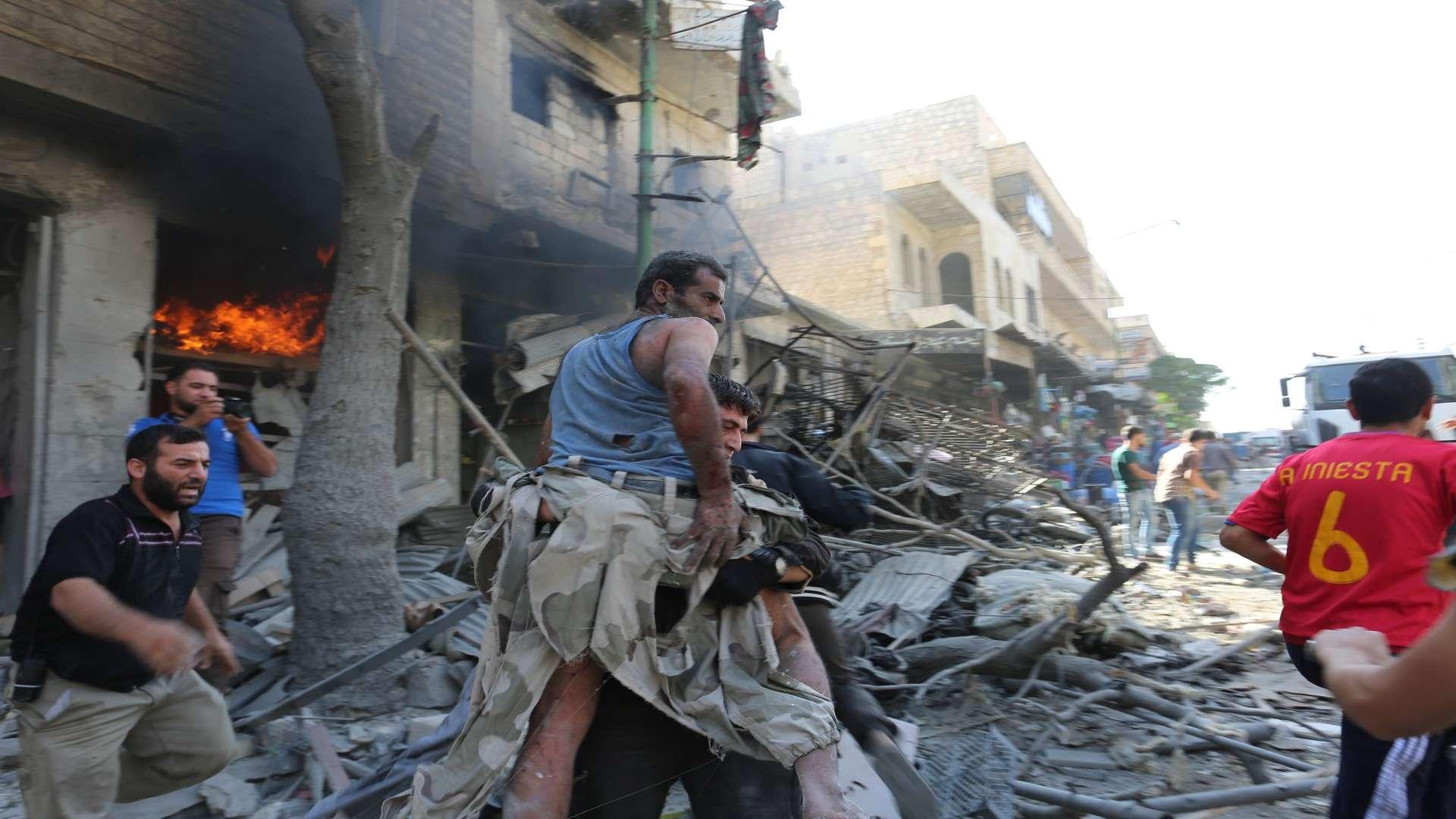 الأورومتوسطي يدعو لتحرك دولي جاد لوقف الهجمات على إدلب وزيادة وتيرة عمليات الإغاثة