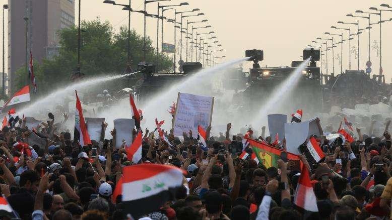 العراق: الحكومة تتحمل مسؤولية قتل المتظاهرين وعلى البرلمان إجراء مساءلة علنية