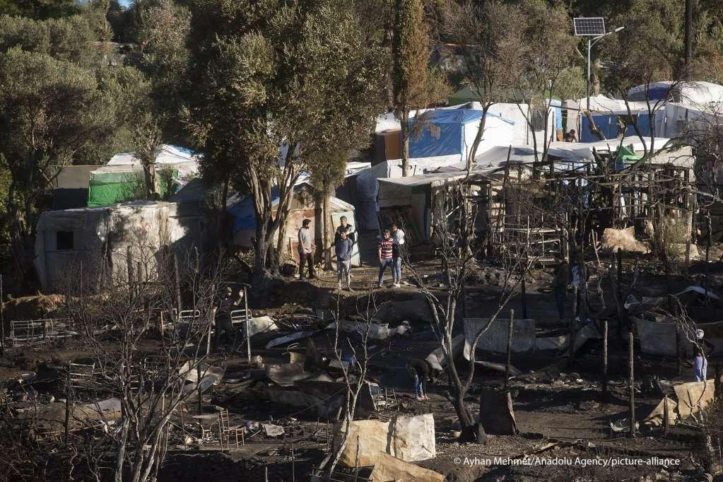 حريق مخيم فاثي نتيجة حتمية للظروف السيئة في مخيمات اليونان