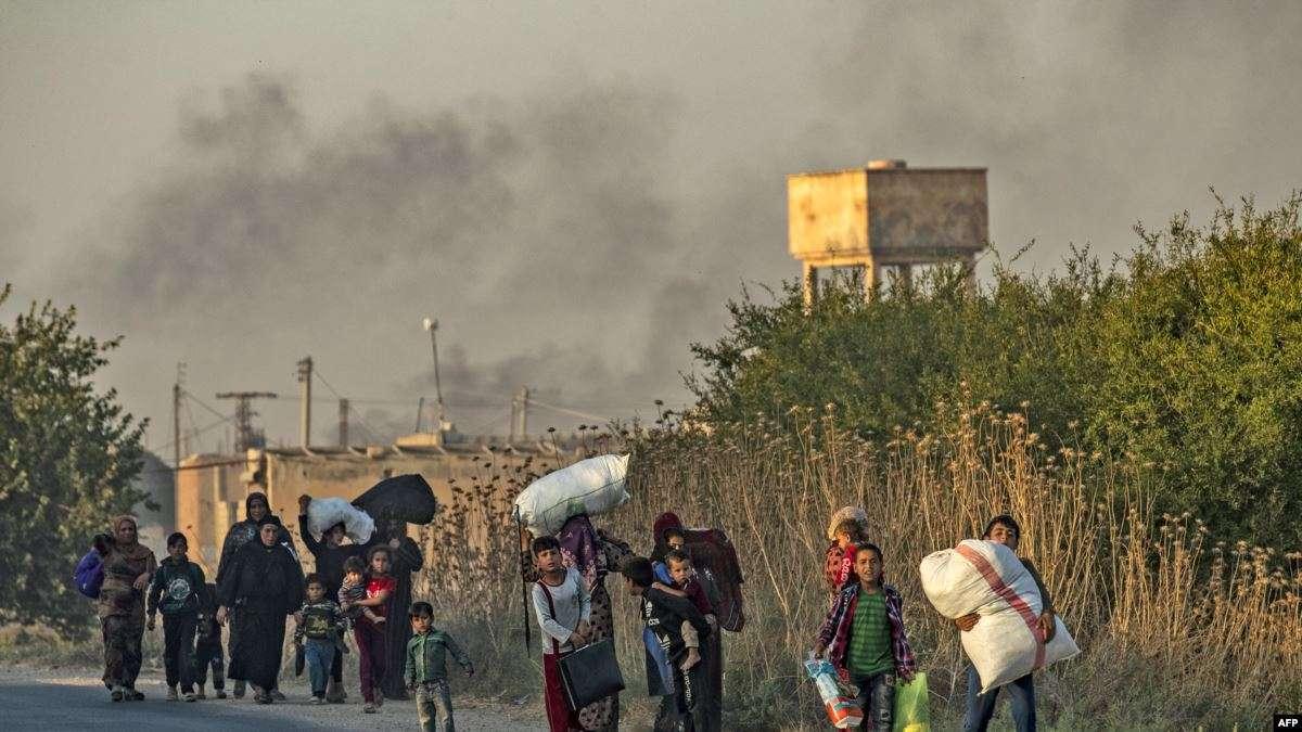الأورومتوسطي يوجه نداء عاجلًا لفتح ممرات آمنة للنازحين شمالي سوريا