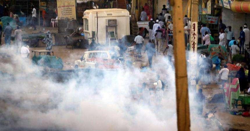 الأورمتوسطي: قمع نشطاء سلميين في موريتانيا والإمارات والبحرين تكميم للأفواه