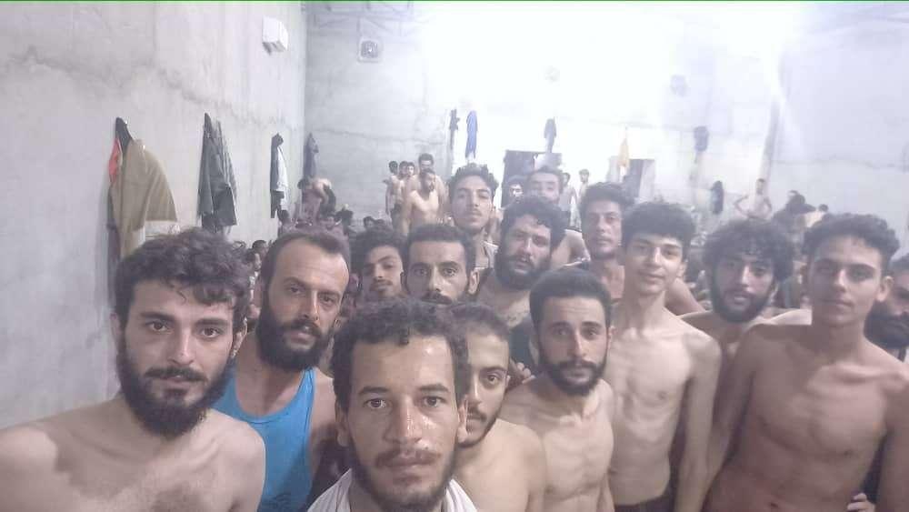 ليبيا.. مئات السوريين محتجزون في سجون طرابلس في ظروف غير إنسانية