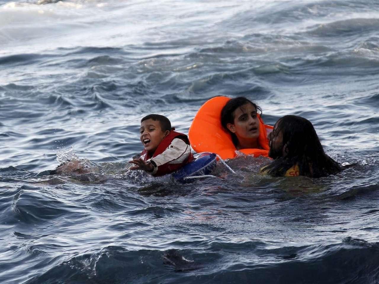 الأورومتوسطي يطالب الاتحاد الأوروبي بتفعيل مهام الإنقاذ الرسمية عقب فقدان عشرات المهاجرين في البحر المتوسط