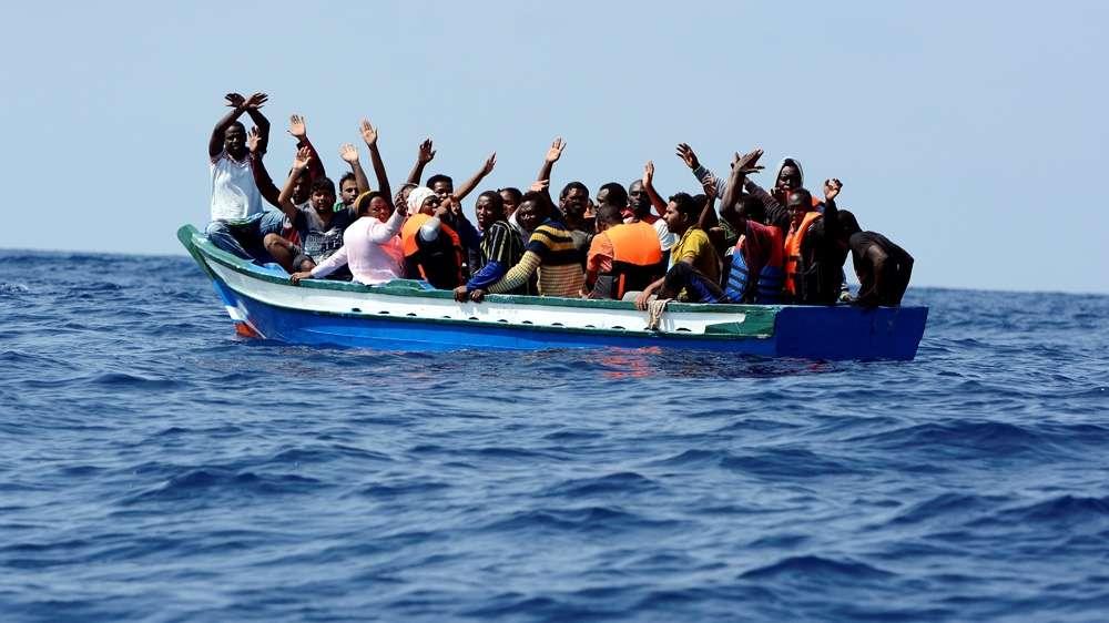 إنقاذ الأرواح لن يكون جريمة.. تجريم الاتحاد الأوروبي المتصاعد للمدافعين عن حقوق المهاجرين