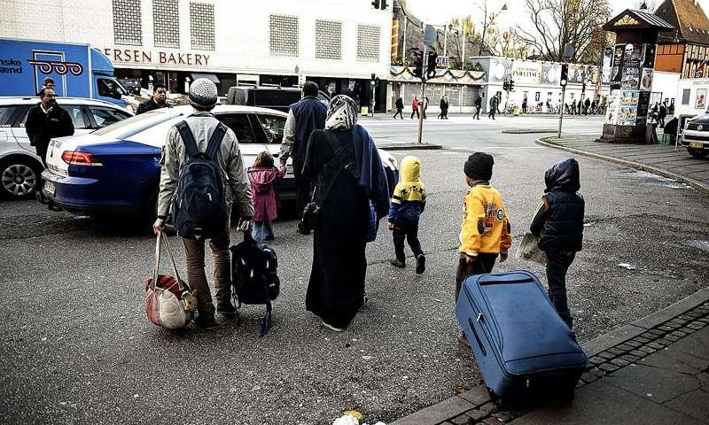 تصريحات برلمانية دنماركية ضد اللاجئين السوريين استقواء مخجل على فئة ضعيفة