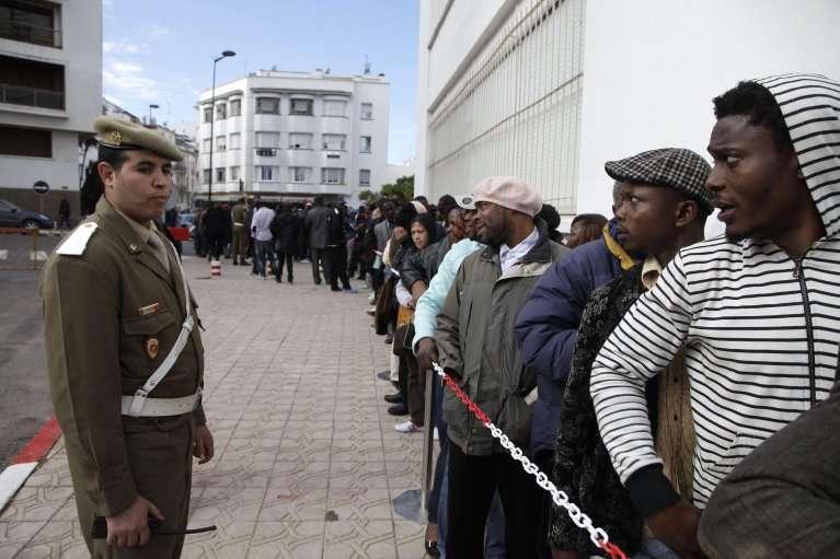 المغرب: حملات اعتقال جماعي وتهجير داخلي قسري بحق المهاجرين الأفارقة