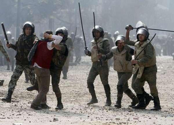 تنديد بأعمال القمع التي تهدم ثقة الشارع المصري