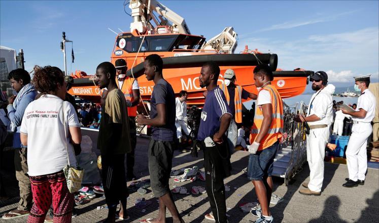 إنقاذ 2400 مهاجر من الغرق قبالة سواحل ليبيا