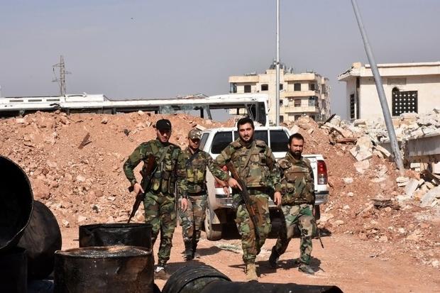 Des dizaines de civils tués par des frappes syriennes et russes sur Alep et Idleb
