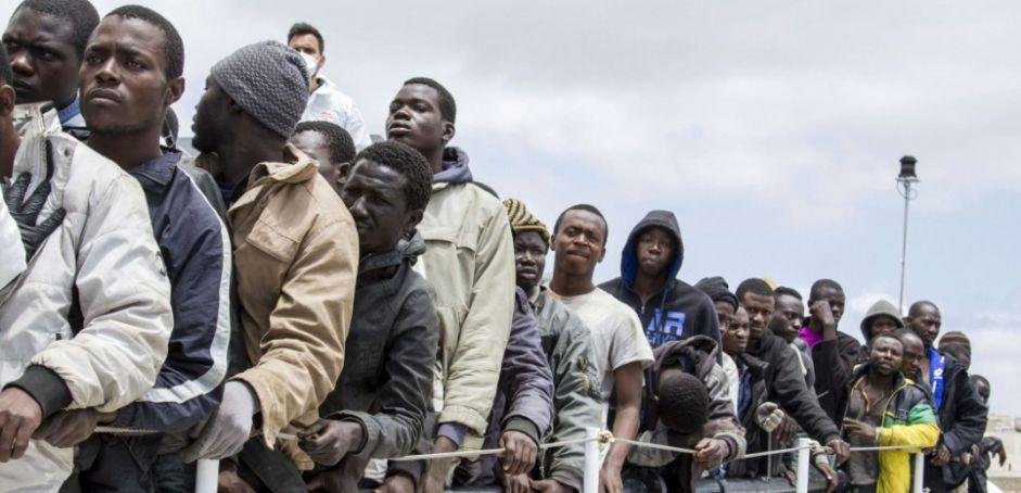 Réfugiés: la France et la Suisse, complices de l'Italie