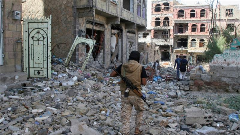 Twelve Yemeni civilians killed in coalition air strike