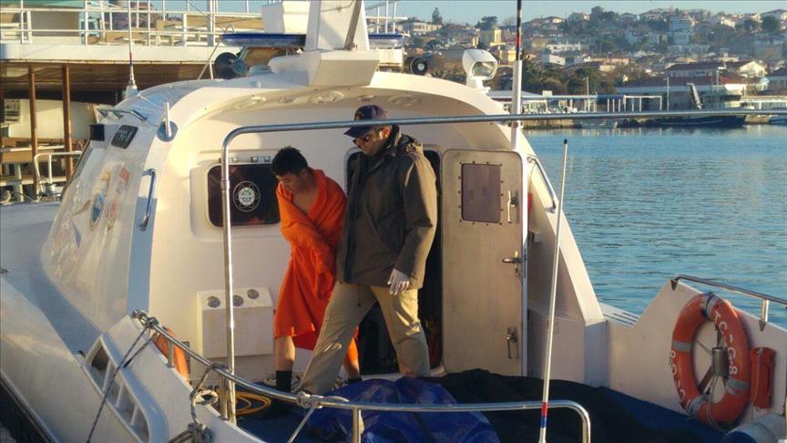 مقتل 5 أشخاص في غرق قارب للاجئين قبالة السواحل التركية