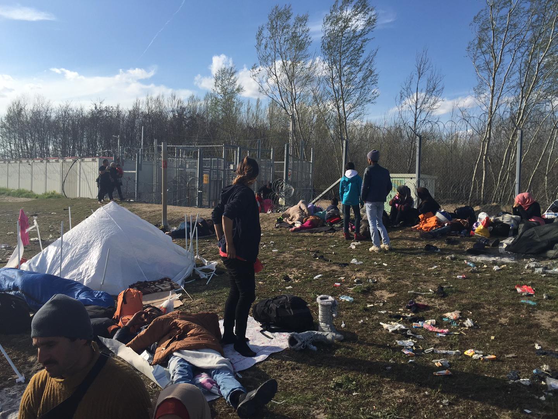 Hongrie : Des migrants maltraités à la frontière