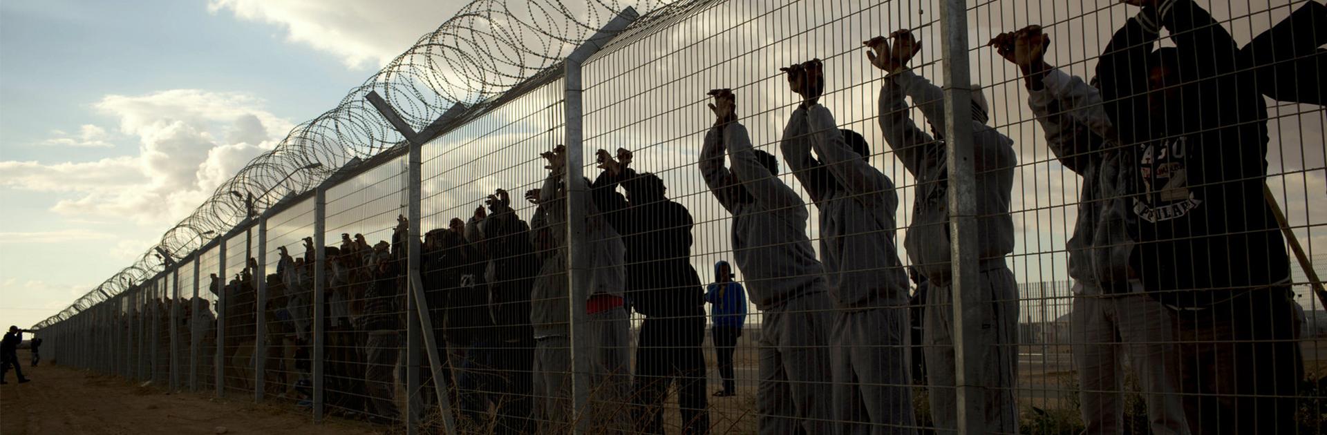 إسرائيل: الأورومتوسطي ينتقد قرار السلطات ترحيل 40 ألف مهاجر أفريقي بالقوة