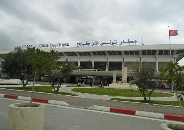 الإمارات: منع سفر تونسيات على متن الطائرات الإماراتية يمثل تمييزًا ضد المرأة التونسية