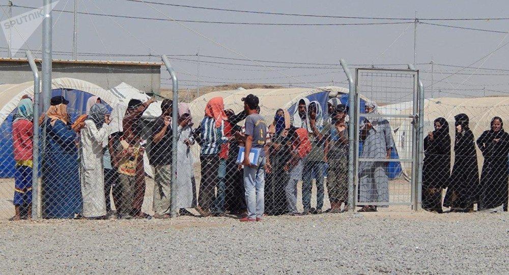 العراق: آلاف النساء والأطفال محتجزون في مخيمات دون جرم