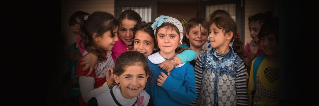 بمفردهم تمامًا! هل تقدم سويسرا الحماية اللازمة للأطفال اللاجئين غير المصحوبين القادمين من الشرق الأوسط؟