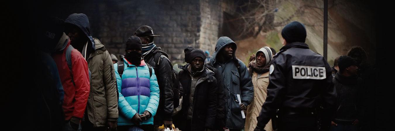 باريس تتراجع عن خطة استيعاب اللاجئين التي وقعتها الشهر الماضي