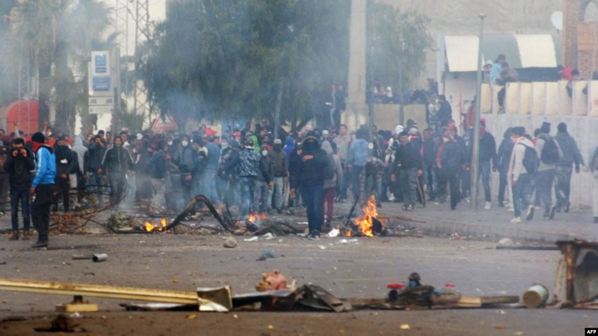 Tunisian Authorities must meet protesters' demands and respect their right to peaceful demonstration