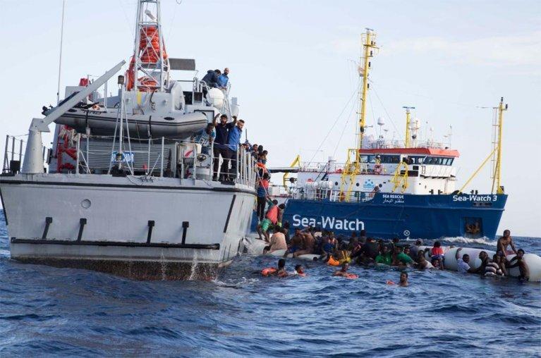 الأورومتوسطي: استهداف إسبانيا للمنخرطين في عمليات إنقاذ المهاجرين انتهاك للإعلان العالمي لحقوق الإنسان