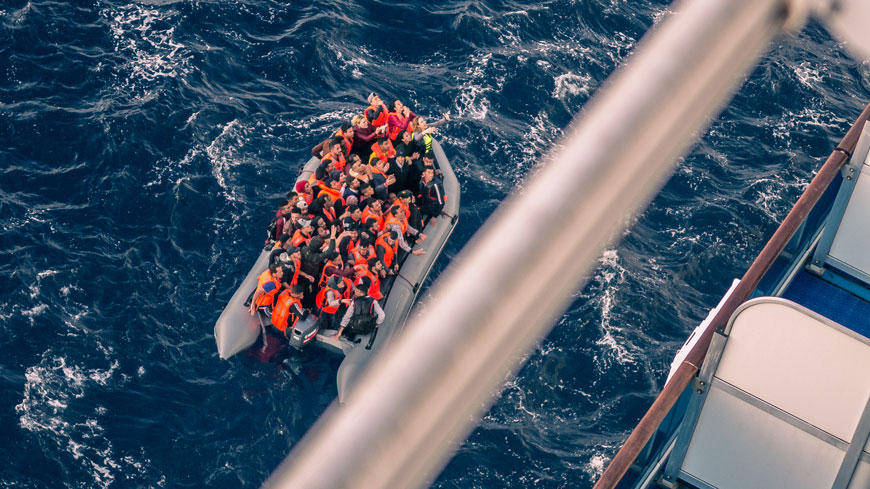 Malta and Italy must immediately disembark 400 asylum seekers, migrants stranded at sea