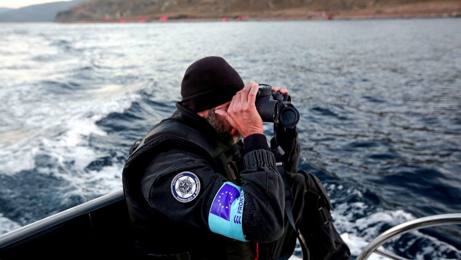 """عشية تحقيق للمفوضية الأوروبية..تقرير للأورومتوسطي يتهم """"فرونتكس"""" بانتهاكات واسعة ضد طالبي اللجوء"""