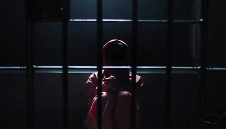 على السلطات البحرينية وقف قرار إبعاد امرأة من البلاد بسبب تغريدة