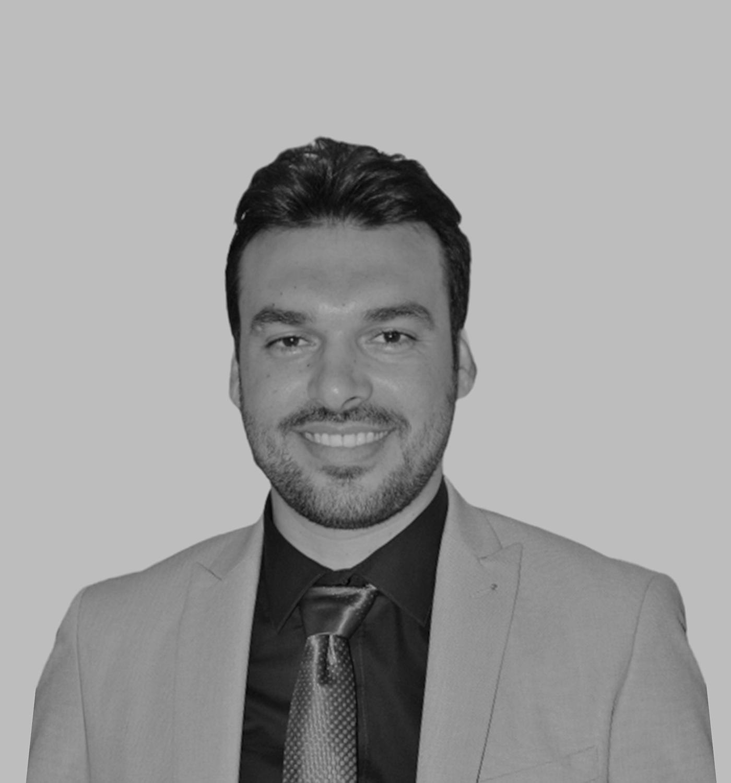 طارق عبد الرازق